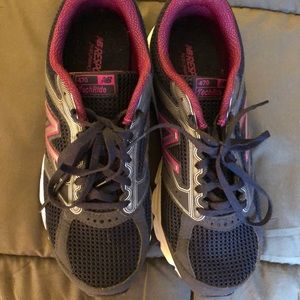 New Balance Size 9 W Tennis Shoes. Gently Used!!!